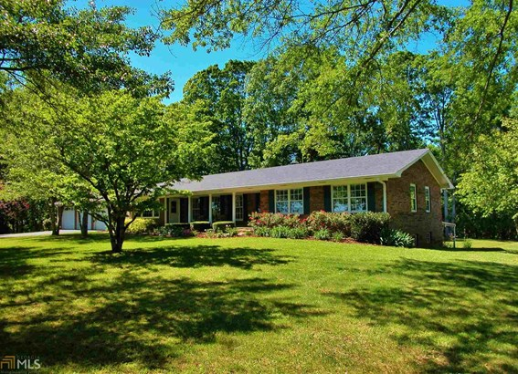 Single Family Detached, Ranch,Traditional - Murrayville, GA (photo 1)