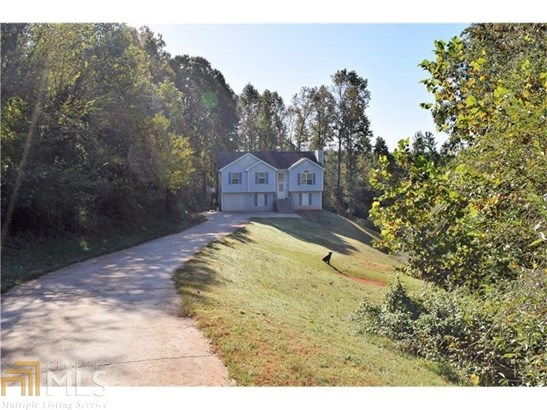 Single Family Detached, Traditional - Gillsville, GA (photo 3)