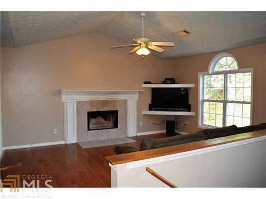 Single Family Detached, Traditional - Gillsville, GA (photo 5)