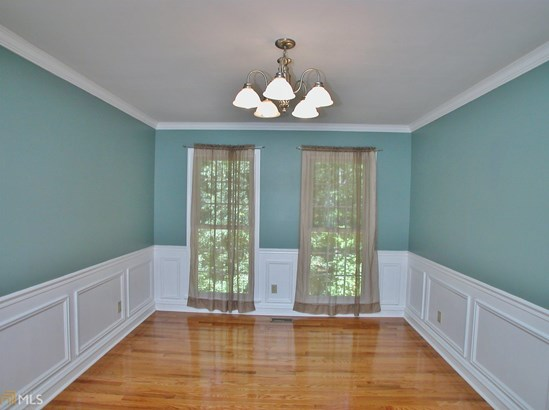 Single Family Detached, Traditional - Flowery Branch, GA (photo 5)
