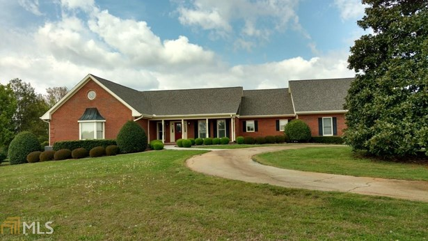 Single Family Detached, Ranch - Hoschton, GA (photo 1)