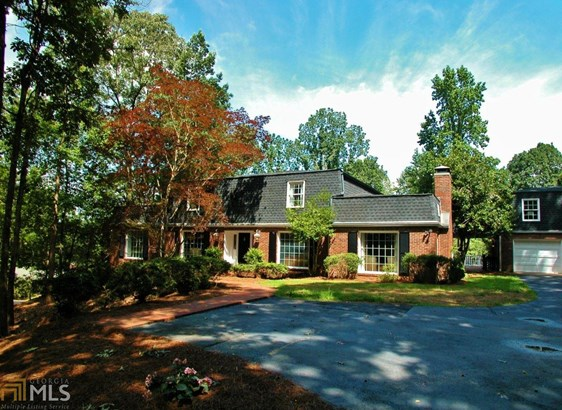 Single Family Detached, European,French Provincial - Gainesville, GA (photo 1)