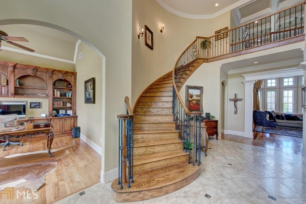 Single Family Detached, French Provincial - Gainesville, GA (photo 3)