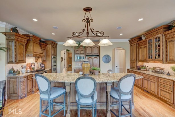 Single Family Detached, French Provincial - Gainesville, GA (photo 5)