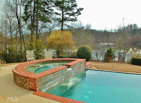 Single Family Detached, Ranch - Gainesville, GA (photo 3)