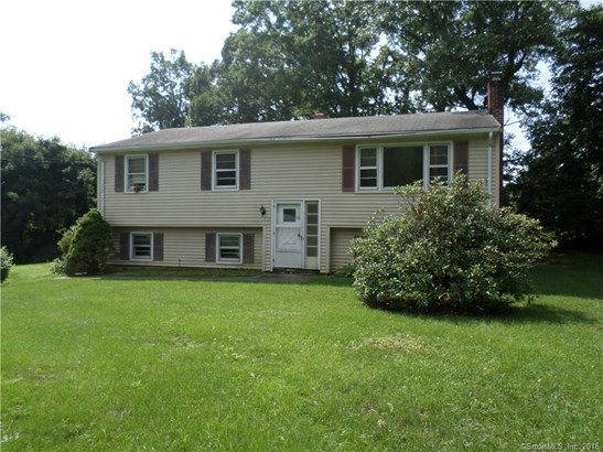 Single Family For Sale, Raised Ranch - North Haven, CT