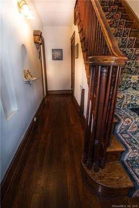 Single Family For Sale, Colonial,Tudor - New Haven, CT (photo 5)