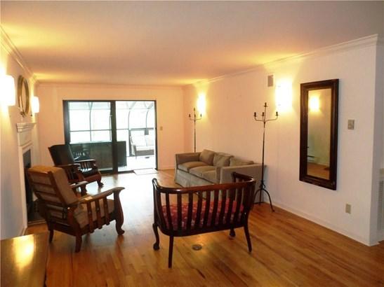 Condominium, Ranch - Hamden, CT (photo 2)