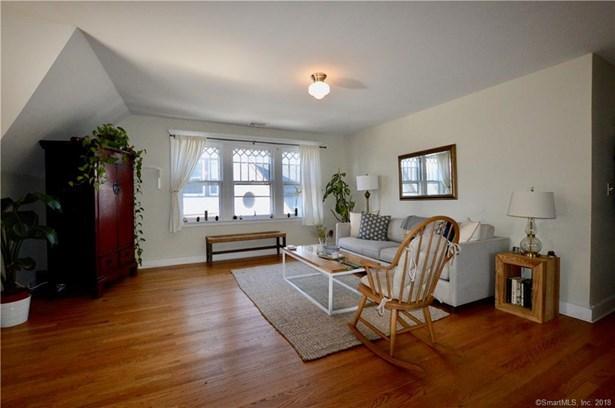Condominium, Ranch - New Haven, CT (photo 2)