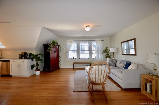Condominium, Ranch - New Haven, CT (photo 3)