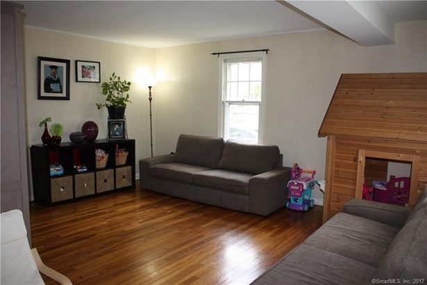 Single Family For Sale, Ranch - Woodbridge, CT (photo 4)