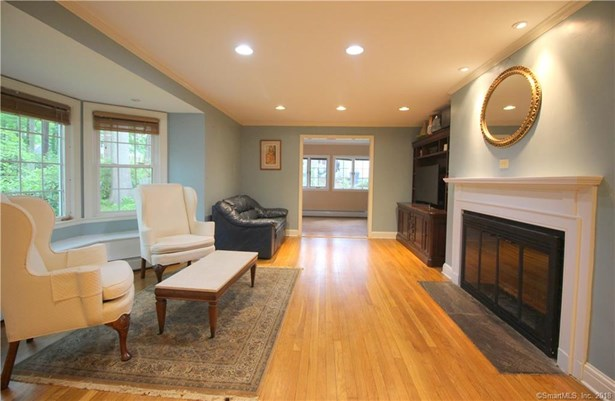 Single Family For Sale, Colonial - North Haven, CT (photo 3)