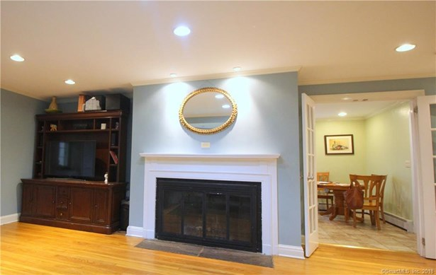 Single Family For Sale, Colonial - North Haven, CT (photo 4)