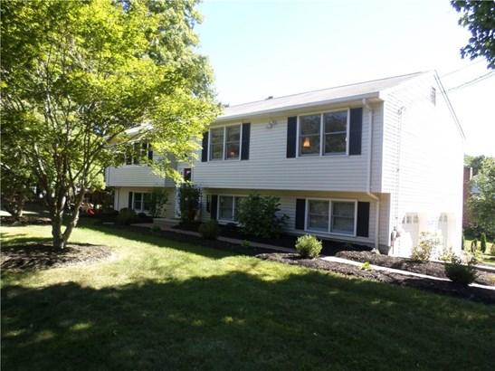 Single Family For Sale, Raised Ranch - Hamden, CT (photo 1)