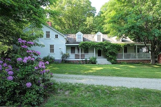 Single Family For Sale, Cape Cod,Antique - North Haven, CT