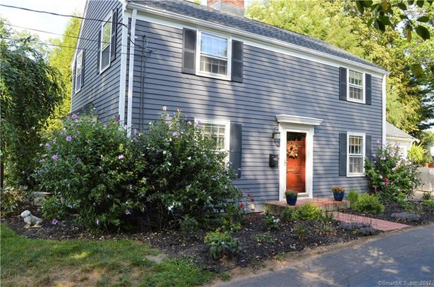 Single Family For Sale, Colonial - Meriden, CT (photo 1)