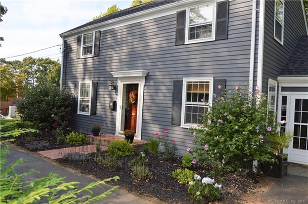 Single Family For Sale, Colonial - Meriden, CT (photo 2)