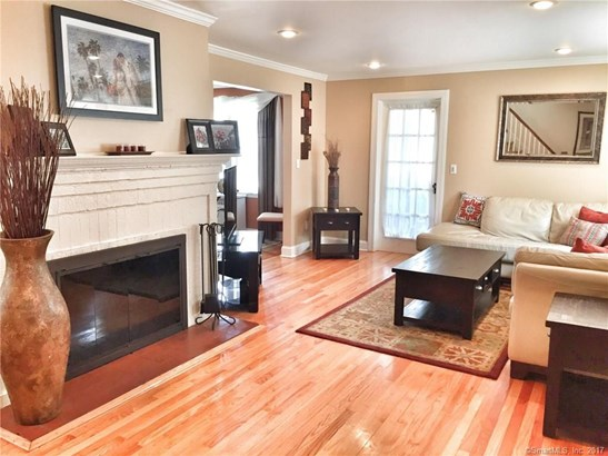 Single Family For Sale, Colonial - New Haven, CT (photo 3)