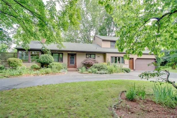 Single Family For Sale, Ranch - North Haven, CT