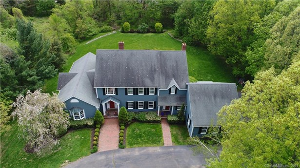 Single Family For Sale, Colonial - Woodbridge, CT (photo 4)