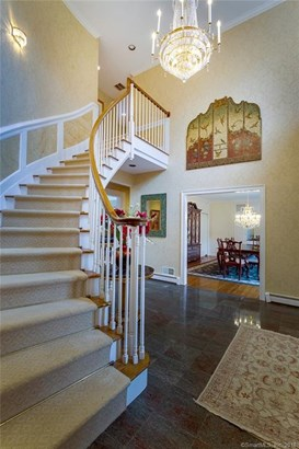 Single Family For Sale, Colonial - Woodbridge, CT (photo 5)
