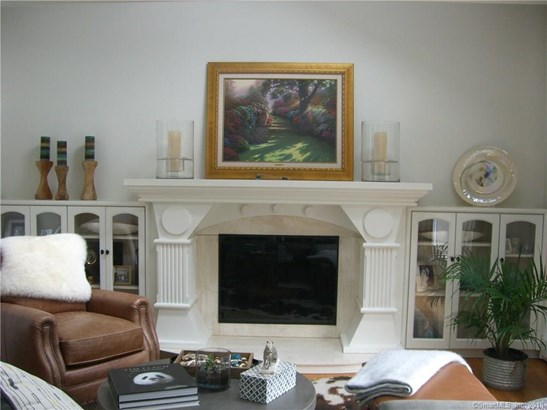 Single Family For Sale, Colonial,Contemporary - Hamden, CT (photo 5)