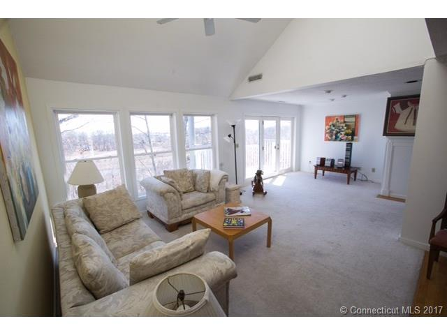 233 Mansfield Grove Road 103 103, East Haven, CT - USA (photo 1)