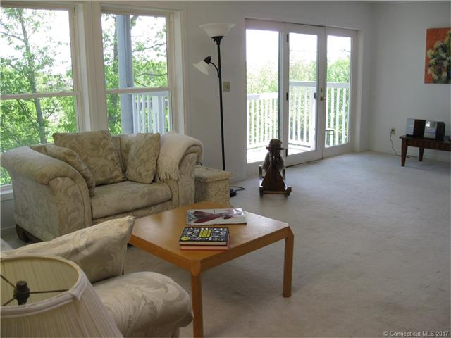 233 Mansfield Grove Road 103 103, East Haven, CT - USA (photo 4)