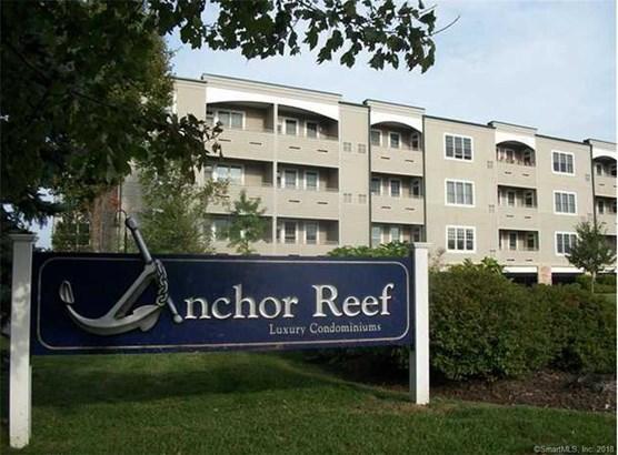Condominium, Ranch,Penthouse - Branford, CT (photo 1)