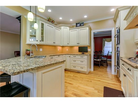 288 Spring Road, North Haven, CT - USA (photo 2)