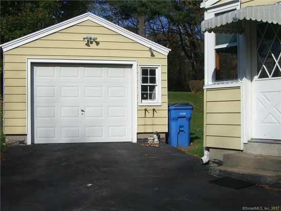 Single Family For Sale, Cape Cod - Hamden, CT (photo 4)