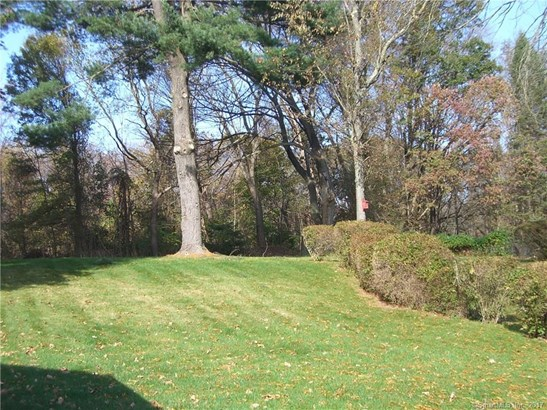 Single Family For Sale, Cape Cod - Hamden, CT (photo 5)