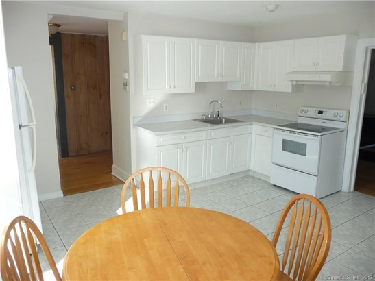 Units on different Floors, 2 Family - North Haven, CT (photo 2)