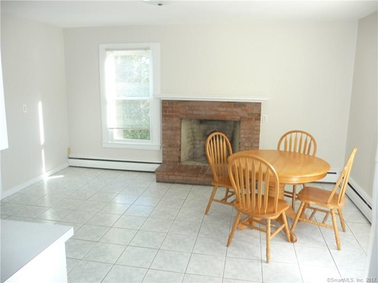 Units on different Floors, 2 Family - North Haven, CT (photo 3)