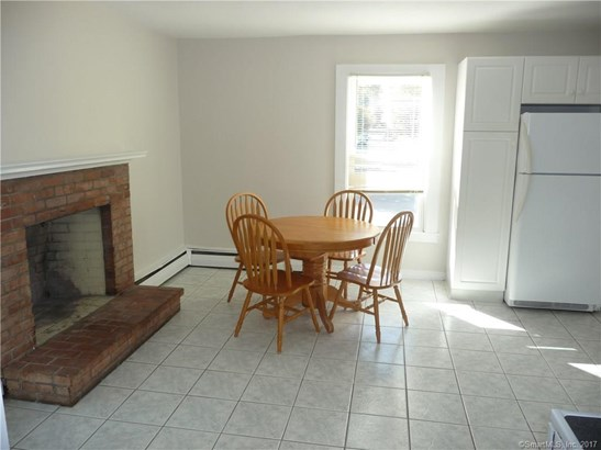 Units on different Floors, 2 Family - North Haven, CT (photo 4)