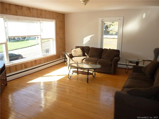Units on different Floors, 2 Family - North Haven, CT (photo 5)