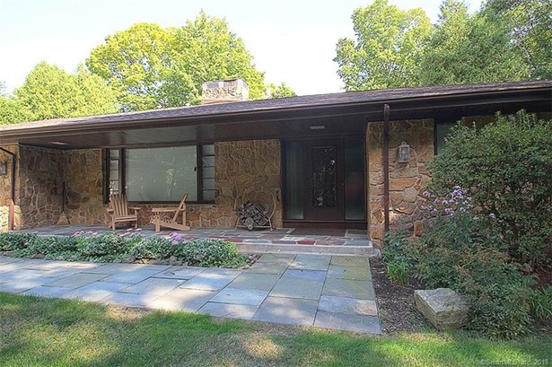 Single Family For Sale, Ranch - North Haven, CT (photo 2)