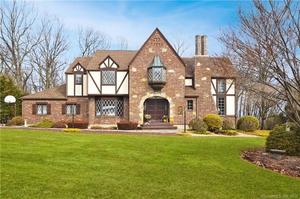 Single Family For Sale, Colonial,Tudor - Hamden, CT (photo 1)