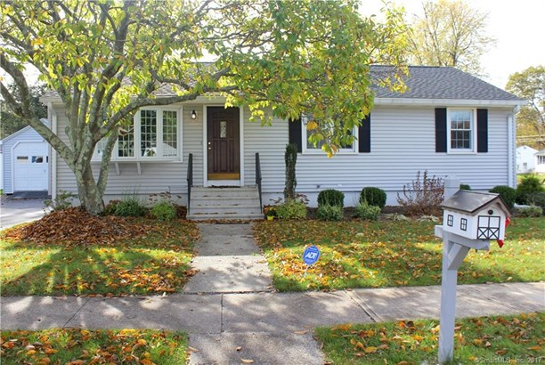 Single Family For Sale, Ranch - Hamden, CT (photo 1)