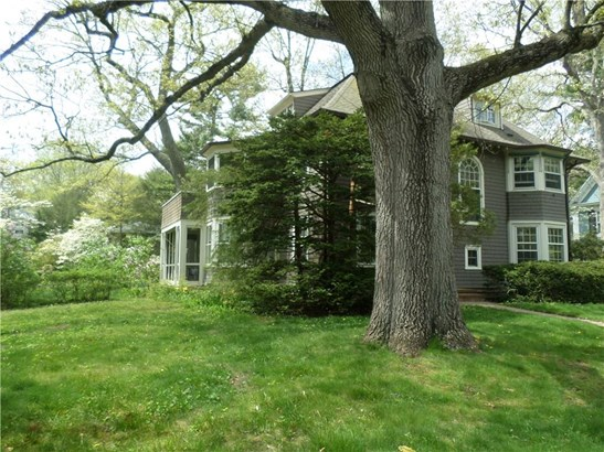Single Family For Sale, Colonial - Hamden, CT (photo 3)