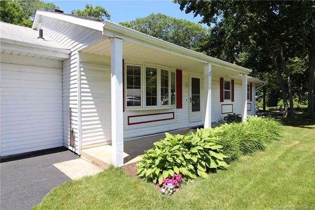 Single Family For Sale, Ranch - Hamden, CT (photo 2)