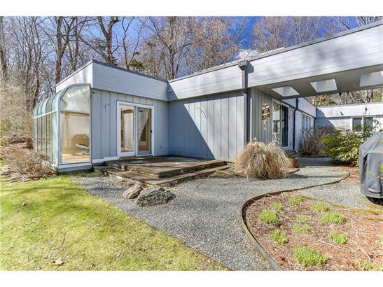 Single Family For Sale, Contemporary,Ranch - Woodbridge, CT (photo 3)