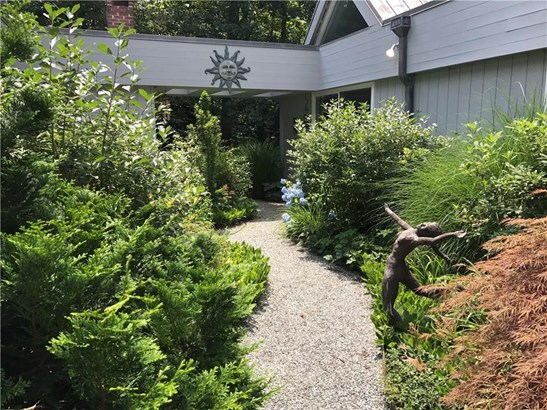 Single Family For Sale, Contemporary,Ranch - Woodbridge, CT (photo 5)