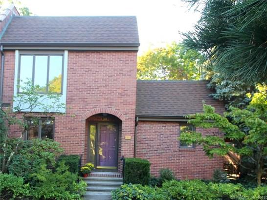 Townhouse, Condominium - Hamden, CT