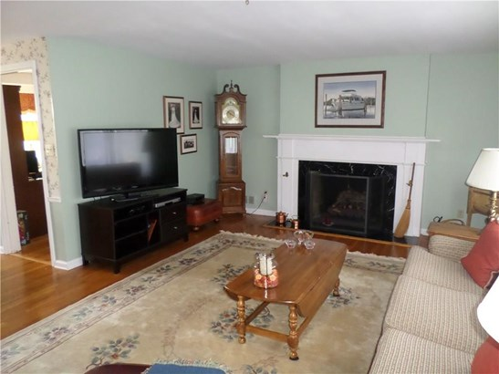Single Family For Sale, Ranch - Hamden, CT (photo 3)