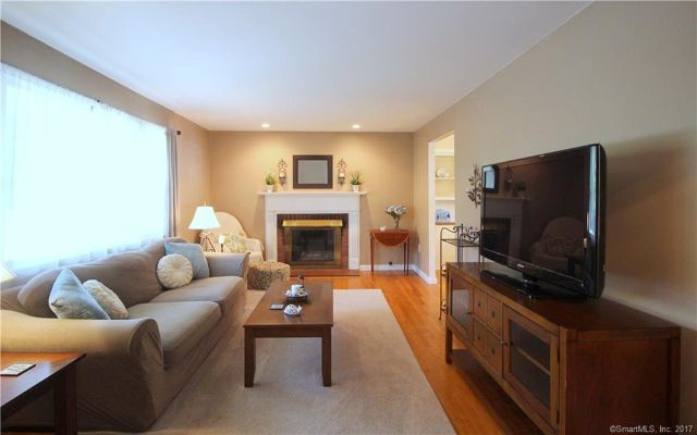 26 Surrey Drive, North Branford, CT - USA (photo 4)