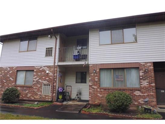 Condominium - East Haven, CT (photo 1)