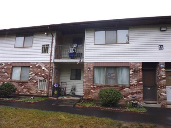 Condominium - East Haven, CT (photo 2)