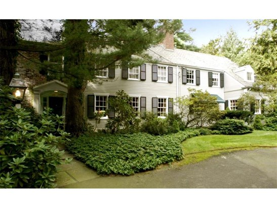 Single Family For Sale, Colonial - North Haven, CT (photo 2)