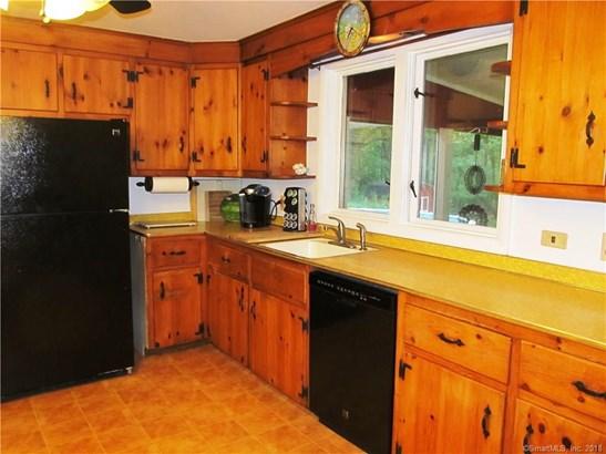 Single Family For Sale, Ranch - Orange, CT (photo 4)